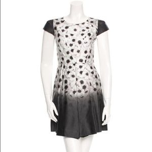 Milly Black & White Floral s/s Pleated Dress